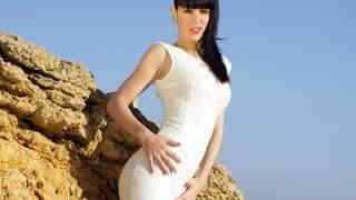 Carol Vega enseñando su cuerpo  en la ...photo 1
