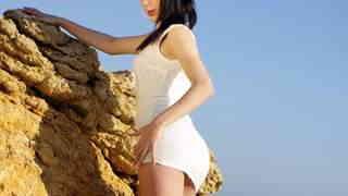 Carol Vega enseñando su cuerpo  en la ...photo 3
