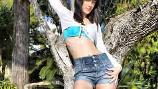 Carol Vega posando   photo 1