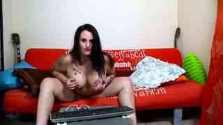 Crazy Rules webcam sofa photo 4