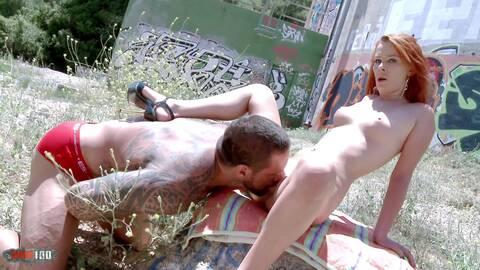 PELIRROJA MUY SEXY photo 3