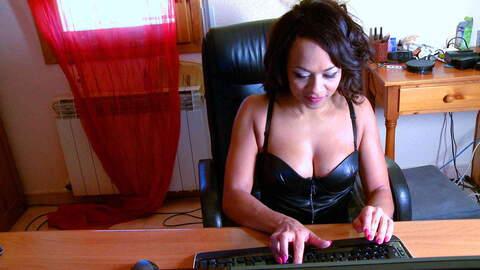 Dunia Montenegro webcam  photo 3