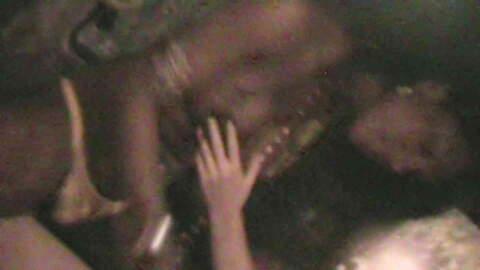 Sexo con un transexual dentro de nuest...photo 3
