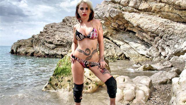 Gina Snake Photo 2