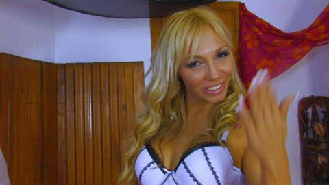 Entrevista sexy con Ginger Hell  photo 1