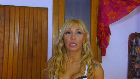 Entrevista sexy con Ginger Hell  photo 4