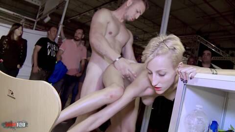Sexo en publico photo 1