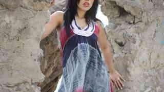 Karmen Diaz stripteas entre las rocas ...photo 3