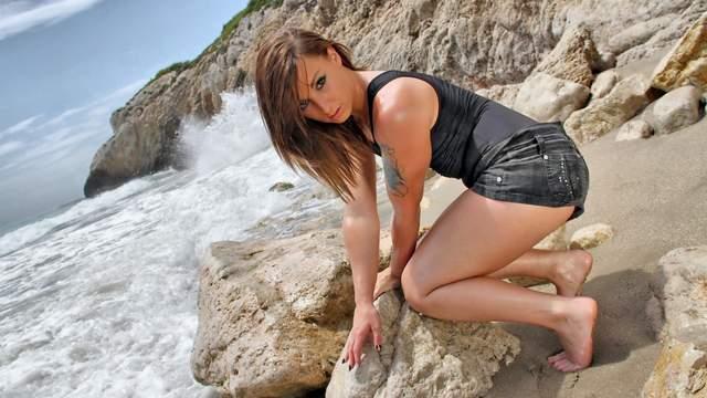 Kim Equinoxx Photo 5