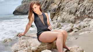Kim Equinoxx enseñando su cuerpo  en l...photo 3