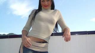 Kristina desnudandose  en la terraza  ...photo 3