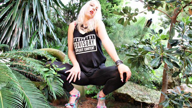 Liz Rainbow Photo 2