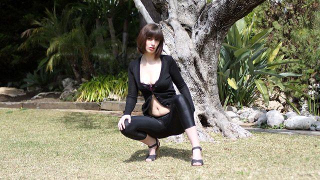 Lola Vinci Photo 4
