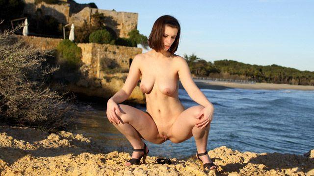 Lola Vinci Photo 2