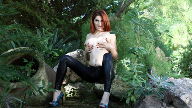 Mademoiselle Lilith Photo 2