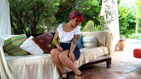 Mey Max webcam sofa photo 1