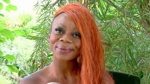 Entrevista sexy con Naomi Lionness  photo 4
