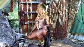Naomi Lionness posando  photo 3