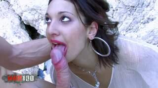 Leo y su novia follan en la playa photo 3