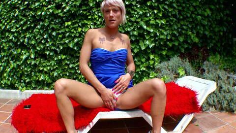 Nicky Wayne webcam out photo 1