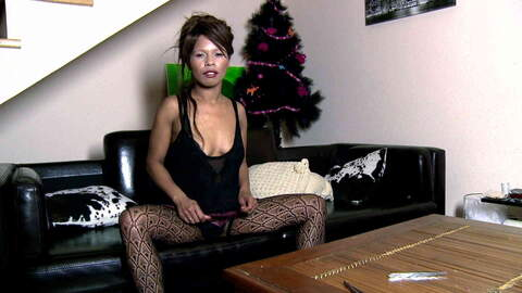 Nirina Campbell webcam sofa photo 1