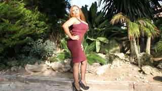 Perla Berne enseñando su cuerpo  en pl...photo 2
