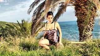 Silvana Rodriguez enseñando su cuerpo ...photo 1