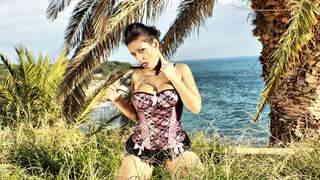 Silvana Rodriguez enseñando su cuerpo ...photo 3