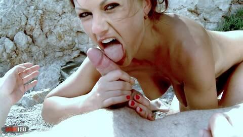 La pornstar caliente Tina Kay stripean...photo 3