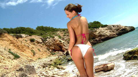 La pornstar caliente Tina Kay stripean...photo 4