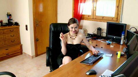 Tina Kay webcam chat photo 3