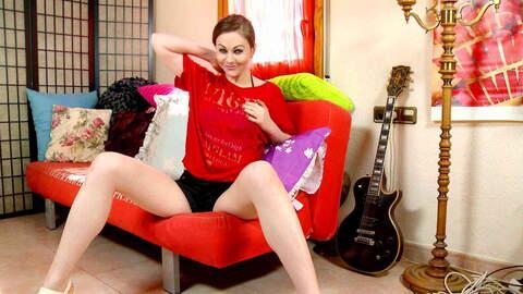 Tina Kay webcam sofa photo 3