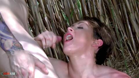 La pornostar australiana Yasmin Scott ...photo 4