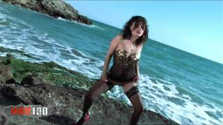Yesenia Rock Beachphoto 3