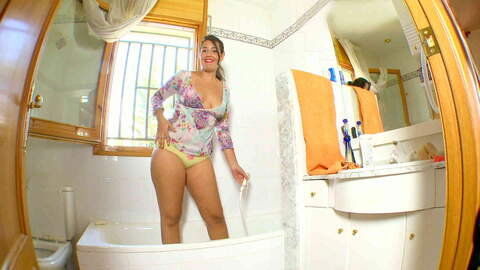 Carmina Ordena webcam bath photo 1