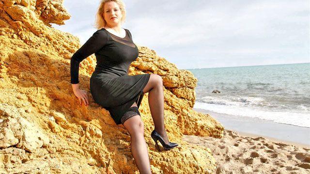 Carola Photo 1