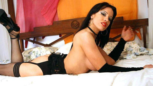 Gigi Love Photo 2
