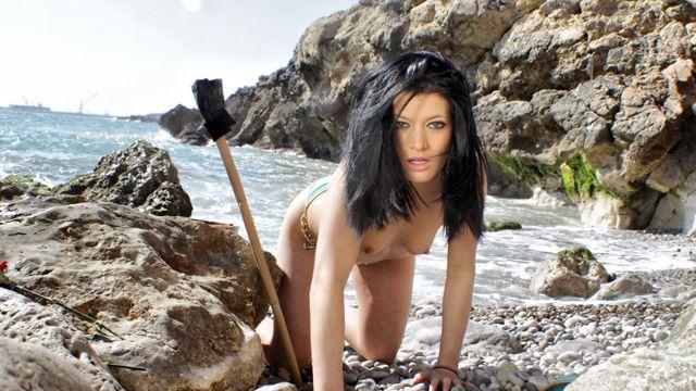 Lana Fever Photo 5