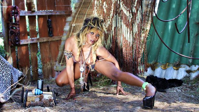 Naomi Lionness Photo 2