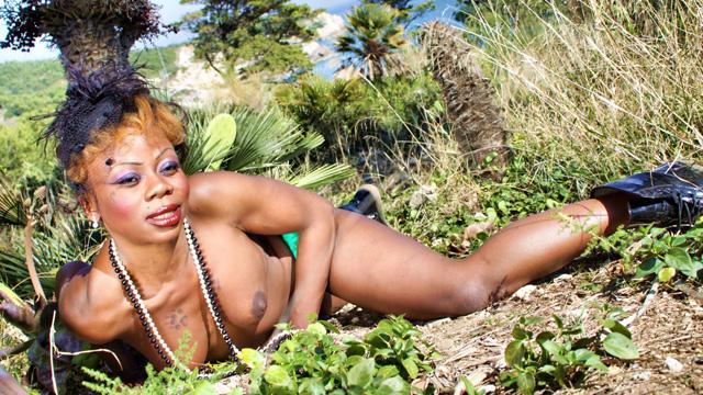 Naomi Lionness Photo 4