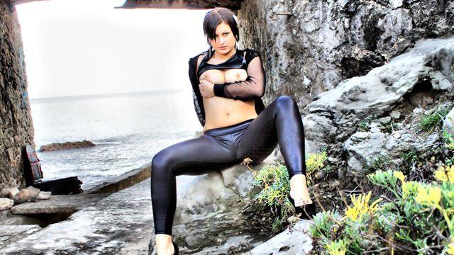 Tania Berry Photo 2